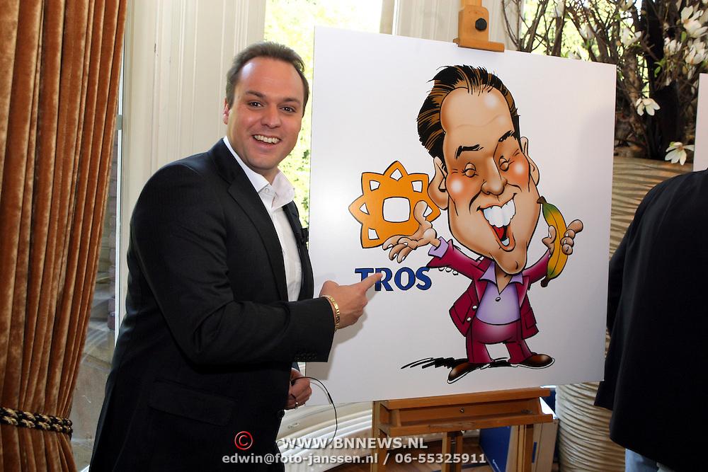 NLD/Baarn/20080915 - Ondertekening TROS Weekendamusement, Frans Bauer