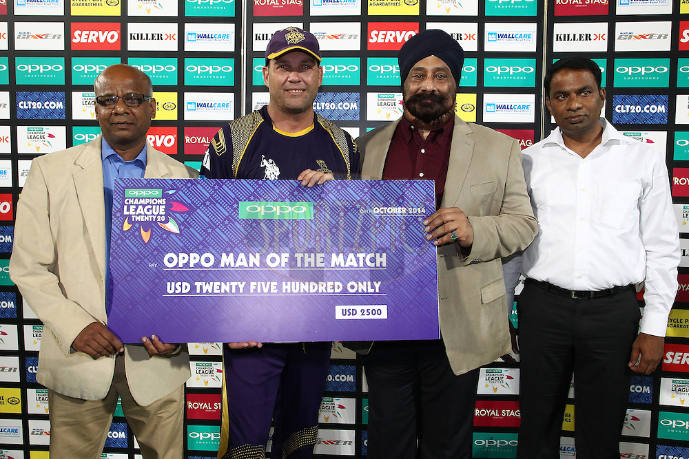 OPPO Man of the Match Jacques Kallis of the Kolkata Knight Riderswith the presentation party during the first semi final match of the Oppo Champions League Twenty20 between the Kolkata Knight Riders and the Hobart Hurricanes held at the Rajiv Gandhi Cricket Stadium, Hyderabad, India on the 2nd October 2014<br /> <br /> Photo by:  Shaun Roy / Sportzpics/ CLT20<br /> <br /> <br /> Image use is subject to the terms and conditions as laid out by the BCCI/ CLT20.  The terms and conditions can be downloaded here:<br /> <br /> http://sportzpics.photoshelter.com/gallery/CLT20-Image-Terms-and-Conditions-2014/G0000IfNJn535VPU/C0000QhhKadWcjYs