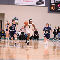 2nd year guard Kyanna Giles (9) of the Regina Cougars during the Women's Basketball home game on January 5 at Centre for Kinesiology, Health and Sport. Credit: Arthur Ward/Arthur Images