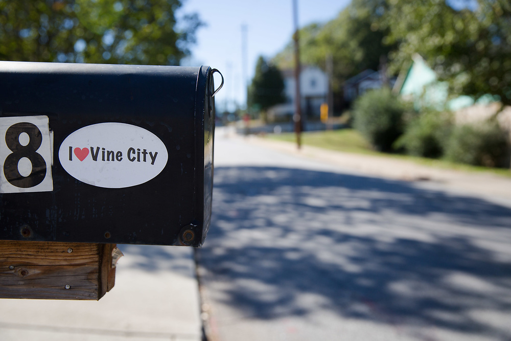 Street views of Vine City on Monday, Oct. 16, 2017. Photo by Kevin D. Liles/kevindliles.com