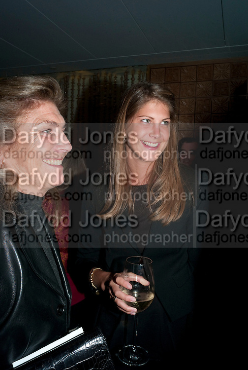 PRINCESS FLORENCE VON PREUSSEN AND HER MOTHER, Launch of Nicky Haslam's book Redeeming Features. Aqua Nueva. 5th floor. 240 Regent St. London W1.  5 November 2009.  *** Local Caption *** -DO NOT ARCHIVE-© Copyright Photograph by Dafydd Jones. 248 Clapham Rd. London SW9 0PZ. Tel 0207 820 0771. www.dafjones.com.<br /> PRINCESS FLORENCE VON PREUSSEN AND HER MOTHER, Launch of Nicky Haslam's book Redeeming Features. Aqua Nueva. 5th floor. 240 Regent St. London W1.  5 November 2009.