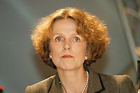 31 JAN 1998, GERMANY/DORTMUND:<br /> Baerbel Dieckmann, SPD, Oberbürgermeisterin Bundesstadt Bonn, auf dem Landesparteitag der SPD NRW<br /> IMAGE: 19980131-01/04-25<br />   <br /> KEYWORDS: Bärbel Dieckmann