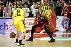 09.12.2017, Audi Dome, Muenchen, GER, EasyCredit BBL, FC Bayern Muenchen Basketball vs MHP Riesen Ludwigsburg, 12. Runde, im Bild Devin Booker (Muenchen) versucht Thomas Walkup (Ludwigsburg) vom Ball zu trennen // during the easyCredit Basketball Bundesliga 12th round match between MHP Riesen Ludwigsburg and 12.Spieltag at the Audi Dome in Muenchen, Germany on 2017/12/09. EXPA Pictures &copy; 2017, PhotoCredit: EXPA/ Eibner-Pressefoto/ Marcel Engelbrecht<br /> <br /> *****ATTENTION - OUT of GER*****
