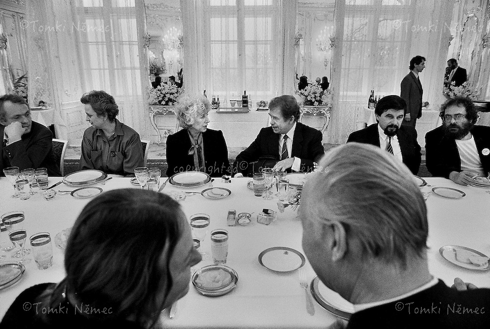 Czechoslovakia,Prague,29 December 1989 *EN/ Vaclav Havel and Olga Havlova , now President of the CSSR(Czechoslovak socialistic republic) and First Lady, Prague, 29 December 1989, Prague Castle, a lunch with friends