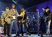 ZZ Topp joins Brooks and Dunn during rehearsals at the first ever CMT Flameworthy Video Music Awards at the Gaylord Entertainment Center in Nashville Tennesee. 6/12/02<br /> Photo by Rick Diamond/PictureGroup.