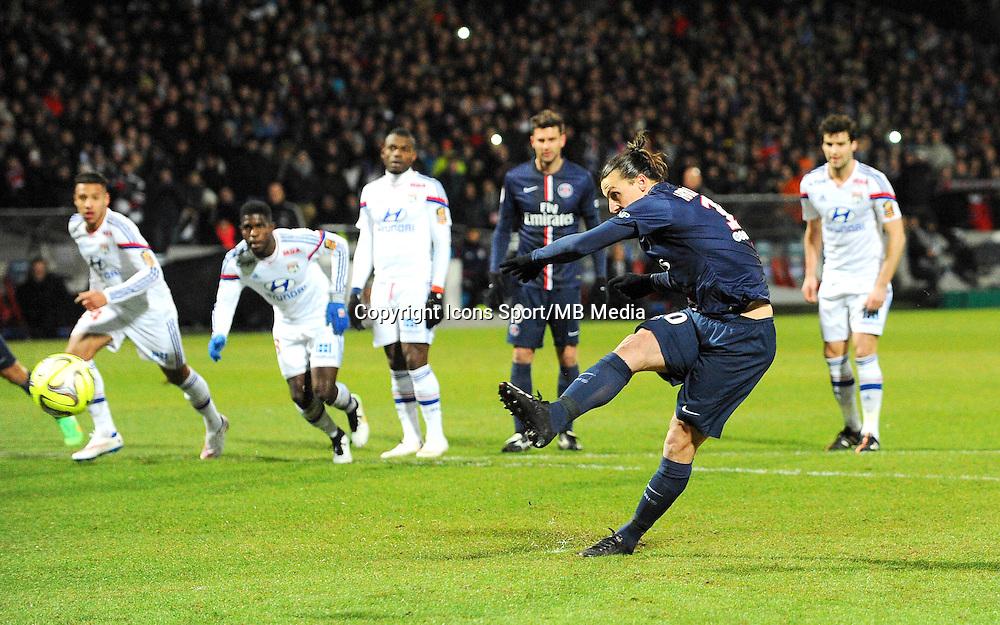 But Zlatan IBRAHIMOVIC - 08.02.2015 - Lyon / Paris Saint Germain - 24eme journee de Ligue 1<br /> Photo : Jean Paul Thomas / Icon Sport