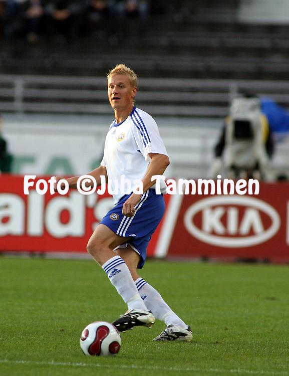 12.09.2007, Olympic Stadium, Helsinki, Finland..UEFA European Championship 2008.Group A Qualifying Match Finland v Poland.Toni Kuivasto - Finland.©Juha Tamminen.....ARK:k