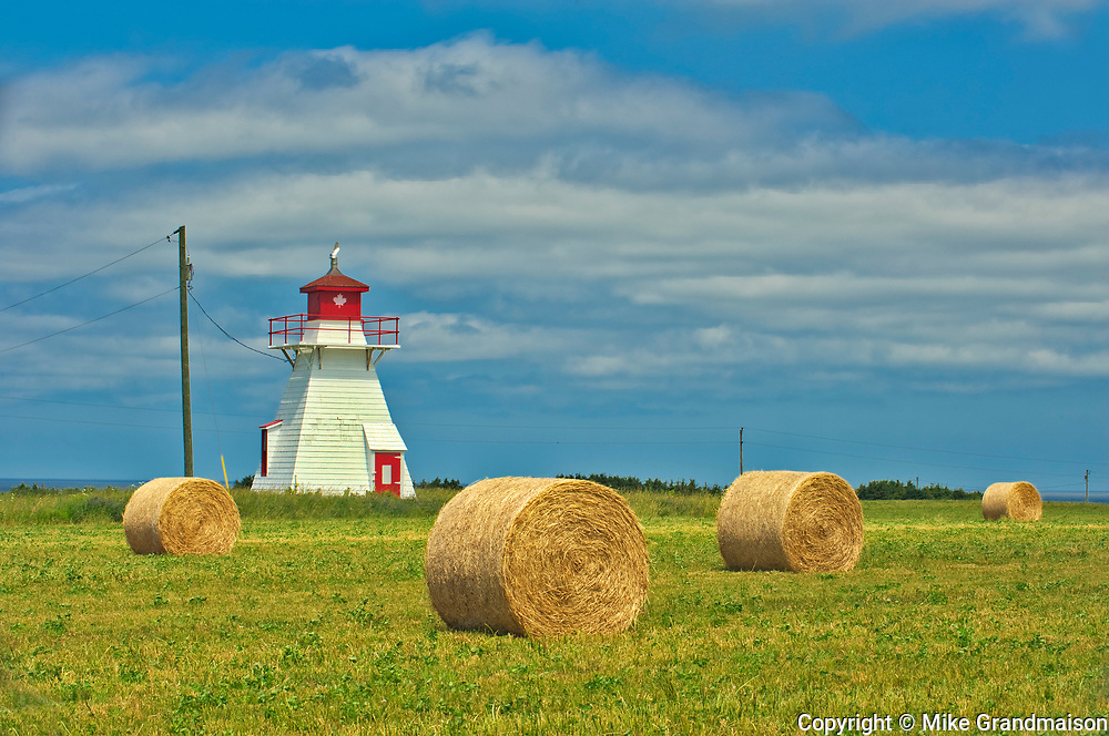 Darnley Lighthouse and bales<br />