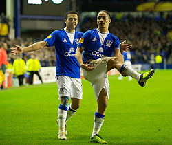 LIVERPOOL, ENGLAND - Tuesday, February 16, 2010: Everton's Steven Pienaar celebrates scoring the opening goal against Sporting Clube de Portugal during the UEFA Europa League Round of 32 1st Leg match at Goodison Park. (Photo by: David Rawcliffe/Propaganda)