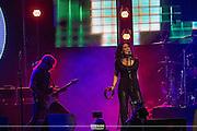 Starship<br /> <br /> Stephanie Calvert &ndash; vocals<br /> John Roth &ndash; guitar