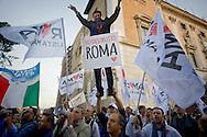 Roma 8 Ottobre 2015<br /> Manifestanti festeggiano le dimissioni di Ignazio Marino Sindaco di Roma  in Campidoglio. Le dimissioni sono arrivate dopo lo scandalo sulle sue spese personali, usando la carta di credito intestata al Comune di Roma e dopo che la Procura di Roma ha aperto un inchiesta sulle sue spese.<br /> Rome, Italy. 8th October 2015<br /> Protesters  celebrate  the resignation of Ignazio Marino Mayor of Rome at the Capitol. The resignation came after the scandal about his personal expenses, using the credit card in the City of Rome and after  Rome prosecutors opened an investigation into his expenses.