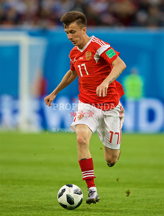 SAINT PETERSBURG, RUSSIA - Tuesday, June 19, 2018: Russia's Aleksandr Golovin during the FIFA World Cup Russia 2018 Group A match between Russia and Egypt at the Saint Petersburg Stadium. (Pic by David Rawcliffe/Propaganda)