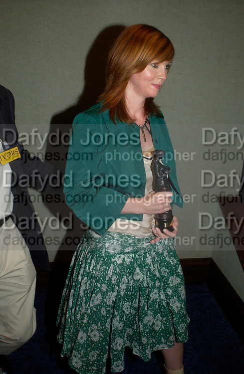 Cathy Dennis. 50th Ivor Novello Awards, Grosvenor House. London. 26 may 2005. ONE TIME USE ONLY - DO NOT ARCHIVE  © Copyright Photograph by Dafydd Jones 66 Stockwell Park Rd. London SW9 0DA Tel 020 7733 0108 www.dafjones.com