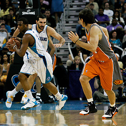 08 April 2009: New Orleans Hornets guard Chris Paul (3) drives down court during a 105-100 loss by the New Orleans Hornets to the Phoenix Suns at the New Orleans Arena in New Orleans, Louisiana.
