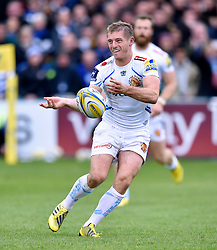 Sam Hill of Exeter Chiefs passes the ball - Mandatory byline: Patrick Khachfe/JMP - 07966 386802 - 17/10/2015 - RUGBY UNION - The Recreation Ground - Bath, England - Bath Rugby v Exeter Chiefs - Aviva Premiership.
