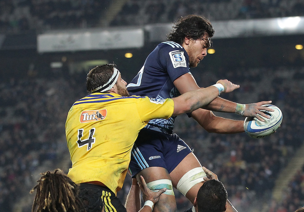 Blues' Steven Luatua beats Hurricanes' Jeremy Thrush in a lineout in a Super Rugby match, Eden Park, Auckland, New Zealand, Saturday, May 31, 2014.  Credit:SNPA / David Rowland