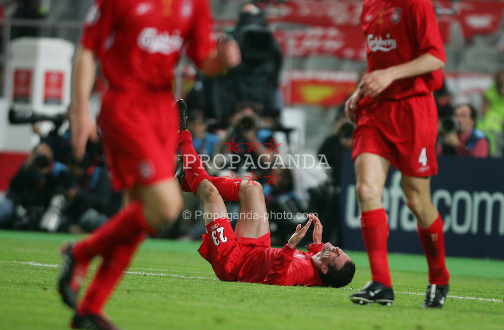 ISTANBUL, TURKEY - WEDNESDAY, MAY 25th, 2005: Liverpool's Jamie Carragher goes down with crap against AC Milan during the UEFA Champions League Final at the Ataturk Olympic Stadium, Istanbul. (Pic by David Rawcliffe/Propaganda)