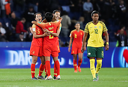 2019?6?13?.    ?????????——B??????????.    6?13????????????????.    ???????????2019??????????B??????????1?0??????.    ?????????..(SP)FRANCE-PARIS-SOCCER-FIFA WOMEN'S WORLD CUP-RSA VS CHN.Players of China celebrate victory after a Group B match between South Africa and China at the 2019 FIFA Women's World Cup in Paris, France, June 13, 2019. China won 1-0. (Credit Image: © Xinhua via ZUMA Wire)