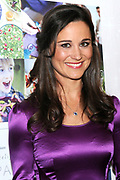 Pippa Middleton promoot in boekenwinkel H. de Vries in Haarlem de Nederlandse editie van Celebrate. Het boek van de schoonzus van de Britse prins William staat vol met feesttips. <br />