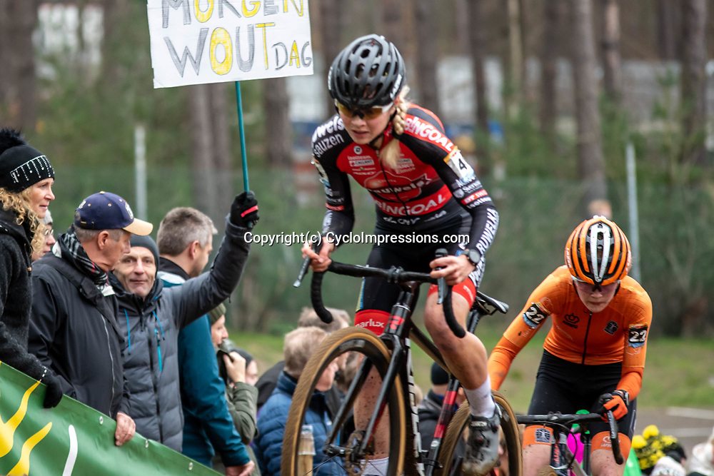 26-12-2019: Cycling: CX Worldcup: Heusden-Zolder: Laura Verdonschot trying to stay ahead of the dutch youngster Puck Pieterse