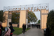 Opening of Frieze 2009. Regent's Park. London. 14 October 2009 *** Local Caption *** -DO NOT ARCHIVE-© Copyright Photograph by Dafydd Jones. 248 Clapham Rd. London SW9 0PZ. Tel 0207 820 0771. www.dafjones.com.<br /> Opening of Frieze 2009. Regent's Park. London. 14 October 2009