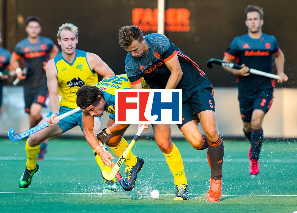 BREDA - Thijs van Dam (Ned) met Jeremy Hayward (Aus)  Aran Zalewski (Aus)    tijdens Nederland- Australie bij  de Hockey Champions Trophy. COPYRIGHT KOEN SUYK
