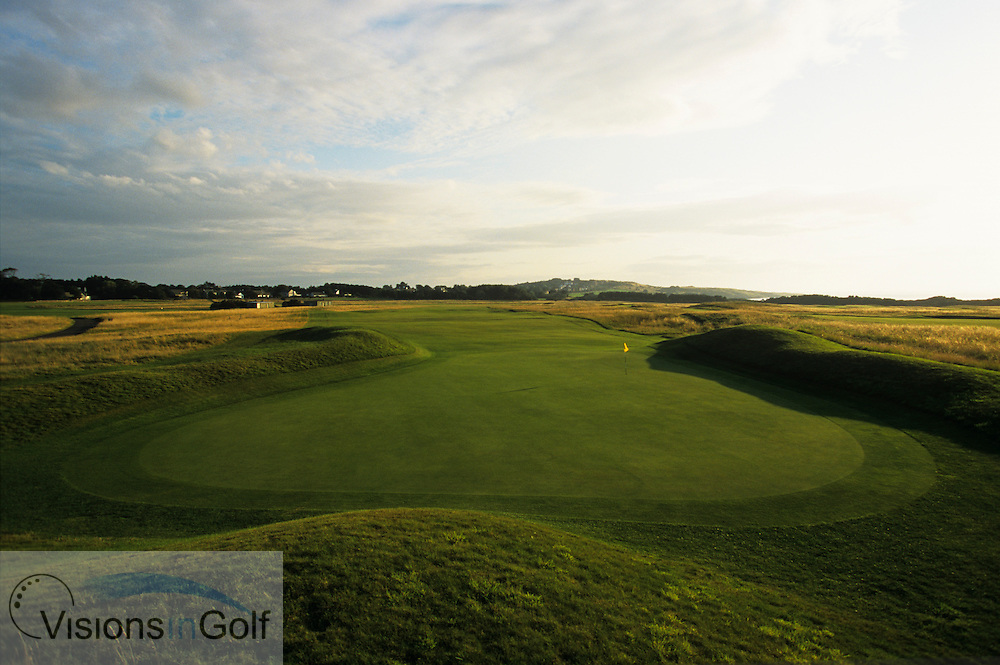 The 17th<br /> The Honourable Company of Ediinburgh Golfers, Muirfield GC, Scotland, Uk, <br /> Photo Credit: Mark Newcombe / visionsingolf.com