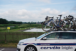 Cervélo Bigla ready to race on the seafront in Southwold at Aviva Women's Tour 2016 - Stage 1. A 138.5 km road race from Southwold to Norwich, UK on June 15th 2016.