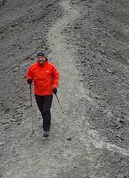05-07-2014 NED: Iceland Diabetes Challenge dag 1, Landmannalaugar <br /> Vandaag ging de challenge van start. Met een bus gingen we van Vogar naar Landmannalaugar en zagen we de eerste tekenen van het prachtige landschap van IJsland / Harold
