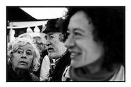 Yasmine Kherbache bij de viering van het 100 jarig bestaan van de zeescouts op Linkeroever tijdens de verkiezingscampagne.