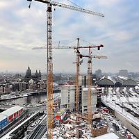 Nederland, Amsterdam ,14 januari 2010...Op het Oosterdokeiland wordt het hoofdkantoor van Vodafone  wereldwijd de grootste mobiele telecomaanbieder gebouwd..At Oosterdokseiland in Amsterdam, the headquarters of Vodafone is being built,  the world's largest mobile telecom operator .