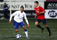 Fotball 10. oktober 2011 , U21 Norge - England<br /> Norway- England 1-2<br /> Euro qual. U21<br /> Jason Lowe , England<br /> Markus Henriksen , Norge