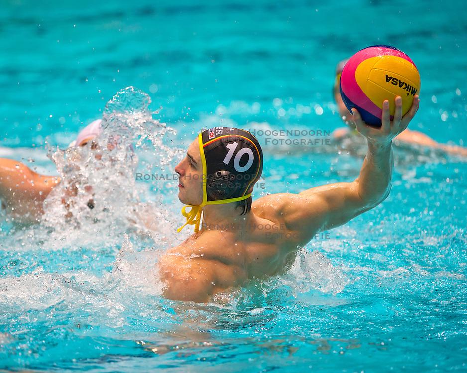 23-01-2012 WATERPOLO: EC GERMANY - ROMANIA: EINDHOVEN<br /> European Championships Germany - Romania / Moritz Oeler GER<br /> (c)2012-FotoHoogendoorn.nl / Peter Schalk