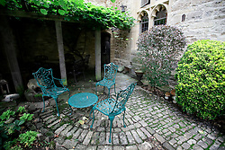 UK ENGLAND THAME 27AUG14 - Favourite courtyard where deceased Bee Gee singer Robin Gibb loved to sit overlooking his estate in Thame, Oxfordshire.<br /> <br /> jre/Photo by Jiri Rezac<br /> <br /> © Jiri Rezac 2014