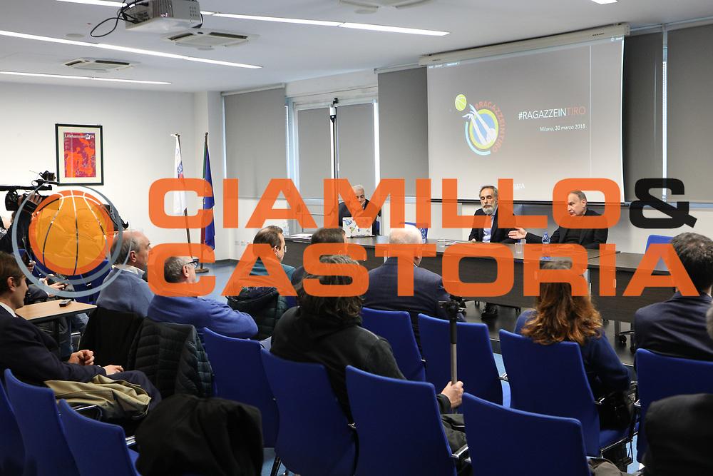 """Marco Crespi, Giovanni Petrucci, panoramica<br /> Conferenza Stampa Presentazione Progetto """"Ragazze in Tiro""""<br /> FIP 2018<br /> Milano, 30/03/2018<br /> Foto F. Bertani / Ciamillo - Castoria"""