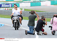 Grand prix de Malaisie 2010..Circuit de SEPANG. 1 Avril 2010...Photo Stéphane Mantey/L'Equipe. *** Local Caption *** schumacher (michael) - (ger) -