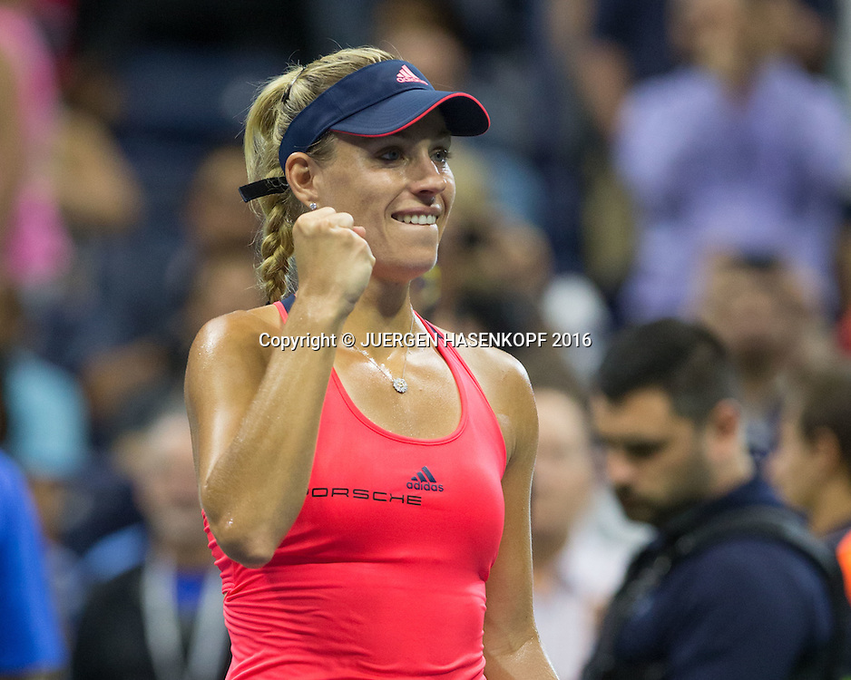 ANGELIQUE KERBER (GER), macht die Faust und jubelt nach ihrem Sieg,Jubel, Freude, Emotion,<br /> <br /> Tennis - US Open 2016 - Grand Slam ITF / ATP / WTA -  USTA Billie Jean King National Tennis Center - New York - New York - USA  - 4 September 2016.