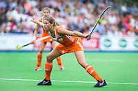 BOOM - Kim Lammers tijdens de eerste poule wedstrijd van Oranje tijdens het Europees Kampioenschap hockey   tussen de vrouwen Nederland en Ierland (6-0). ANP KOEN SUYK