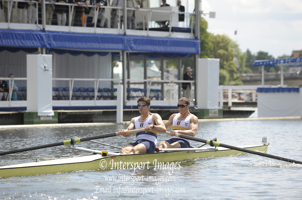 Henley, Great Britain. Sydney Rowing club in the closing stage of his heat in the  Bow, T ALFRED and W. BUCKLAND, Silver Goblets and Nickalls' Challenge Cup 2009 Henley Royal Regatta Friday 03/07/2009 at  [Mandatory Credit. Peter Spurrier/Intersport Images] . HRR.