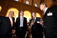 23 MAR 2009, BERLIN/GERMANY:<br /> Klaus-Peter Mueller, Vorsitzender des Aufsichtsrates Commerzbank AG, Karl-Theodor zu Guttenberg, CSU, Bundeswirtschaftsminister, Dr. Josef Ackermann, Vorstandsvorsitzender Group Executive Committee Deutsche Bank AG, und Andreas Schmitz, Vorstandssprecher HSBC Trinkhaus, (v.L.n.R.), im Gespraech, Empfang des Bundesverbandes Deutscher Banken anl. der Delegiertenversammlung und des Praesidentenwechsels, Bode-Museum<br /> IMAGE: 20090323-02-015<br /> KEYWORDS: Bankenverband, Peter Müller