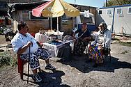 ROMA   14 SETTEMBRE 2005<br /> SGOMBERO(CONCORDATO) DEL CAMPO ROM DI VICOLO SAVINI<br /> FOTO STEFANO MONTESI