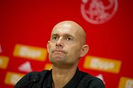 amsterdam - persco Marcel Keizer trainer Ajax en nick Viergever, speler Ajax  Trainer Marcel Keizer van Ajax staat de pers te woord in aanloop naar de eerste play-off wedstrijd van de Europa League tegen Rosenberg BK.  copyrght robin utrecht