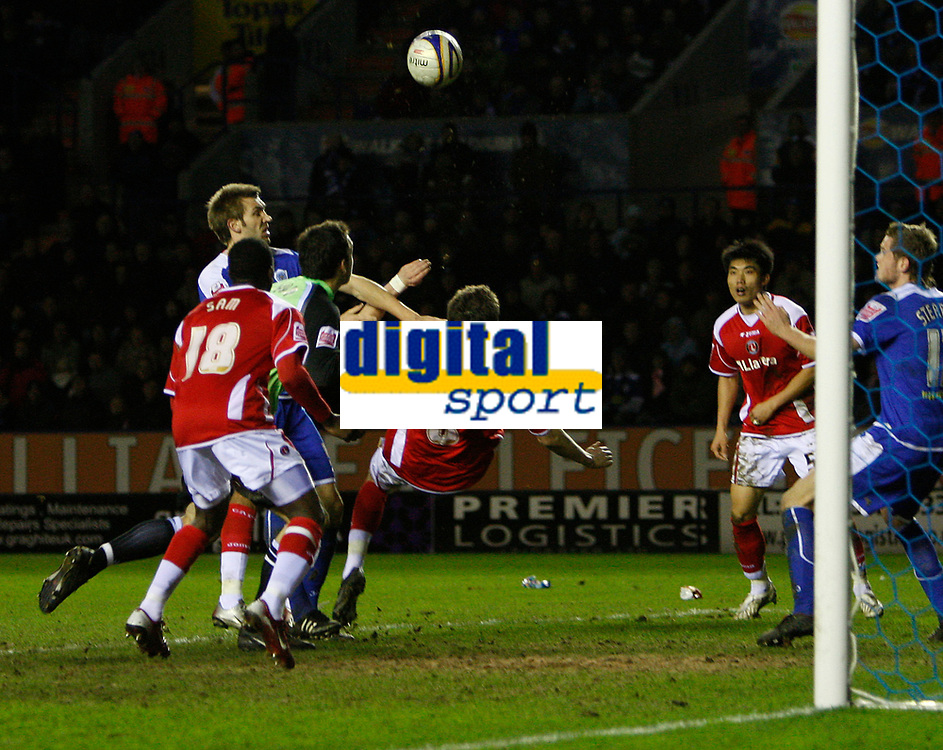 Photo: Steve Bond/Sportsbeat Images.<br />Leicester City v Charlton Athletic. Coca Cola Championship. 29/12/2007. Patrick McCarthy (C) equalises with an overhead kick