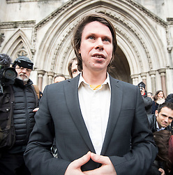 © Licensed to London News Pictures. 05/02/2018. London, UK. Alleged hacker Lauri Love leaves the High Court where he has won an appeal against extradition to the US over alleged cyber-hacking. Photo credit: Ben Cawthra/LNP