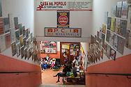 Roma, 16/04/2016: comunit&agrave; del Per&ugrave; nella Casa del Popolo di Torpignattara, ex sezione PCI Marranella.<br /> &copy;Andrea Sabbadini