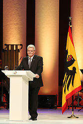 03.10.2015, Frankfurt am Main, GER, Tag der Deutschen Einheit, im Bild Bundespraesident, Bundespräsident Joachim Gauck bei seiner Rede beim Festakt in der Alten Oper Frankfurt // during the celebrations of the 25 th anniversary of German Unity Day in Frankfurt am Main, Germany on 2015/10/03. EXPA Pictures © 2015, PhotoCredit: EXPA/ Eibner-Pressefoto/ Roskaritz<br /> <br /> *****ATTENTION - OUT of GER*****
