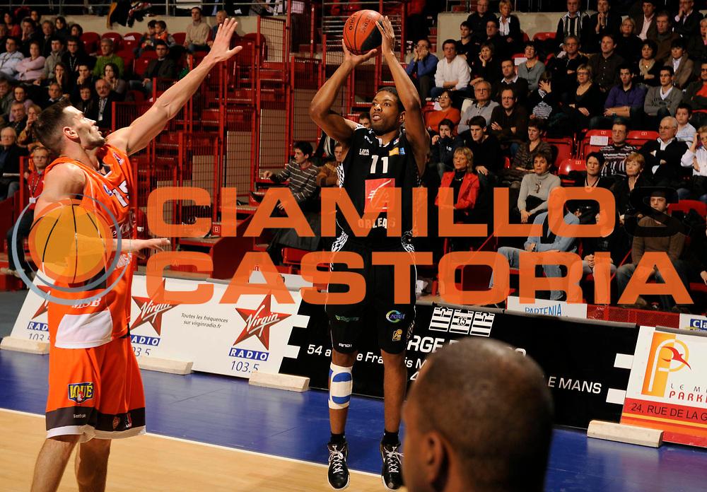 DESCRIZIONE : Ligue France Pro A Msb Le Mans Orleans<br /> GIOCATORE : Nichols Austin<br /> SQUADRA : Orleans <br /> EVENTO : FRANCE Ligue  Pro A 2009-2010<br /> GARA : Le Mans Orleans<br /> DATA : 23/01/2010<br /> CATEGORIA : Basketball Pro A Action<br /> SPORT : Basketball<br /> AUTORE : JF Molliere par Agenzia Ciamillo-Castoria <br /> Galleria : France Ligue Pro A 2009-2010 <br /> Fotonotizia : Diot Antoine Photographie Magazine Ligue France 2009-10 Msb Le Mans <br /> Predefinita :