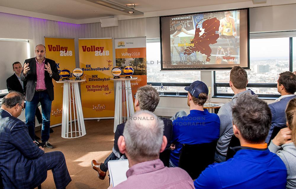 24-11-2016 NED: Persconferentie Volley2018, Den Haag<br /> In &quot;The Penthouse restaurant / skybar&quot; werd op de 40 ste  verdiepingvan de Haagse Toren (Het Strijkijzer) de komende toernooien &quot;volley2018&quot; van de Nevobo gepresenteerd. Michel Everaert