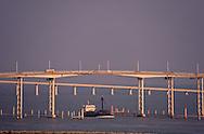 New and old Taipa bridges on the external harbour. Macau  ///  Les 2 ponts qui menent a Taipa. vue sur nouveau polder avec la tour de la banque de chine et baie de praia grande. Macao /// R00228/25    L1601  /  R00228  /  P0006563