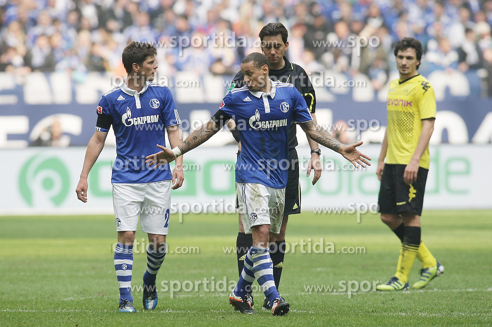 14.04.2012, Veltins Arena, Gelsenkirchen, GER, Schalke 04 vs Borussia Dortmund, 31. Spieltag, im Bild v.l. Klaas-Jan Huntelaar (FC Schalke 04), Jermaine Jones (FC Schalke 04),, Schiedsrichter Manuel Graefe (Berlin), Mats Hummels (Borussia Dortmund), Freisteller // during the German Bundesliga Match, 31th Round between Schalke 04 and Borussia Dortmund at the Veltins Arena, Gelsenkirchen, Germany on 2012/04/14. EXPA Pictures © 2012, PhotoCredit: EXPA/ Eibner/ Alexander Neis..***** ATTENTION - OUT OF GER *****